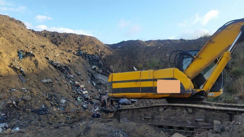Chcieli zasypać 100 ton odpadów