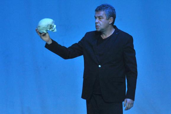 Nebojša Glogovac kao Hamlet