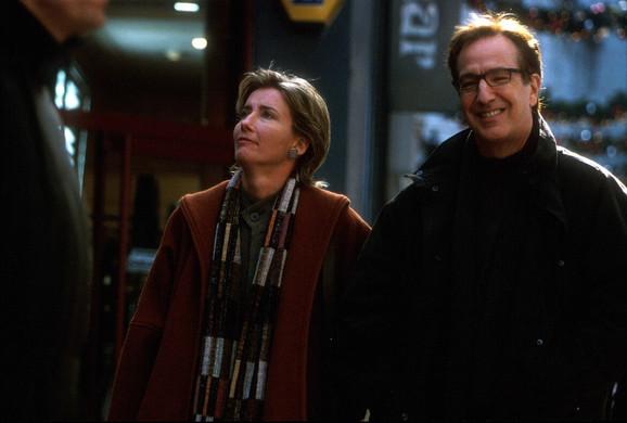 Ema Tompson i Alan Rikman kao Karen i Hari