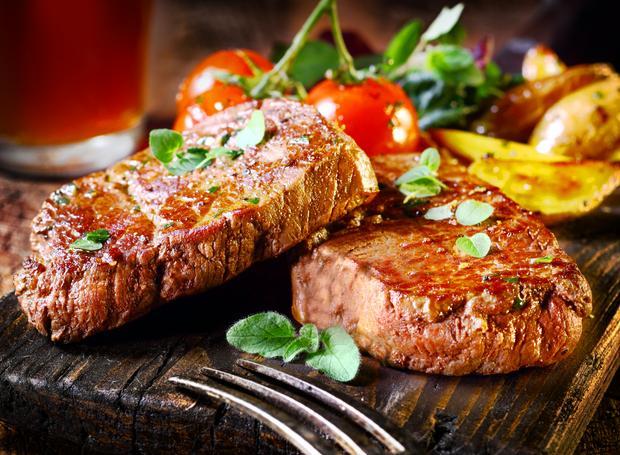 Smaczne mięso z girlla