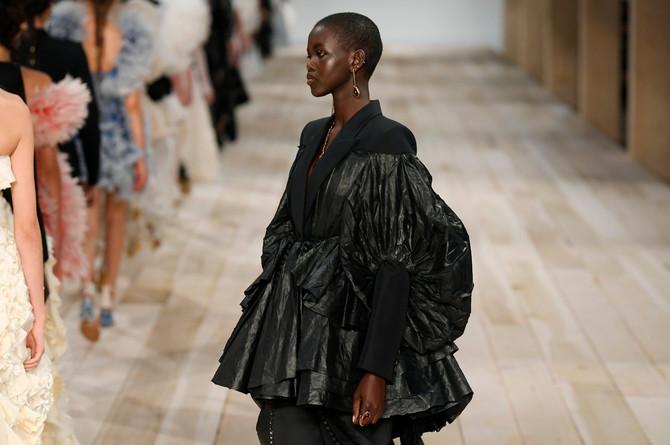 Adut na Pariskoj nedelji mode