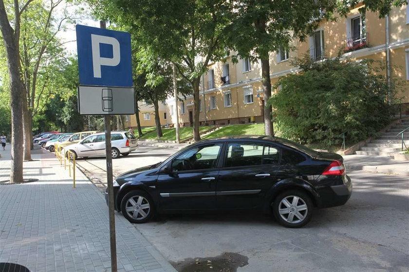 Parkowanie w Gdyni: Haracz też na Kamiennej Górze