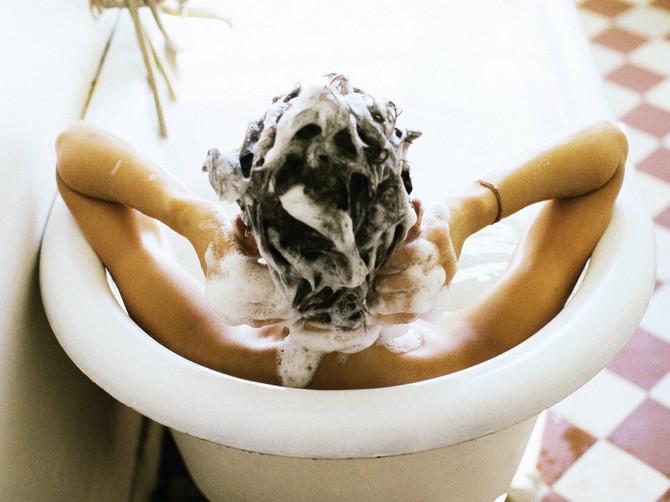 U BOJANIN ŠAMPON se već godinama kune na hiljade Srpkinja: Recept ne može biti lakši, a rešava NAJGORI PROBLEM sa kosom!