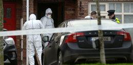 Ciała trójki dzieci znaleziono w domu. Na drzwiach była tajemnicza kartka