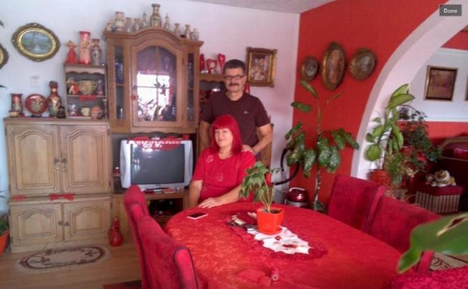 Zorica sa suprugom u njihovoj kući