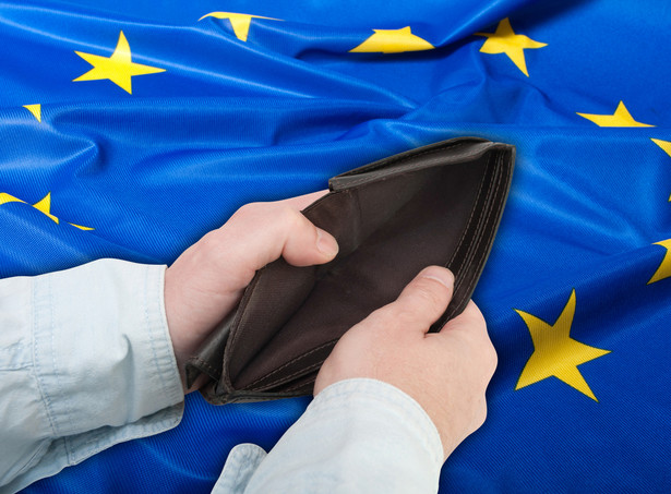 Parlament Europejski przyjął w marcu rezolucję, w której odrzucił wynegocjowane porozumienie budżetowe i zażądał poprawek.