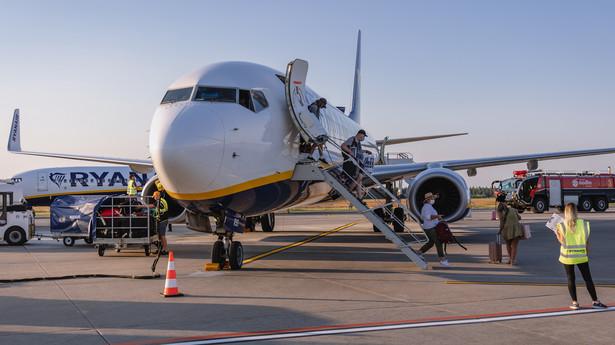 Boeing 737 liniii lotniczych Ryanair na lotnisku Warszawa - Modlin