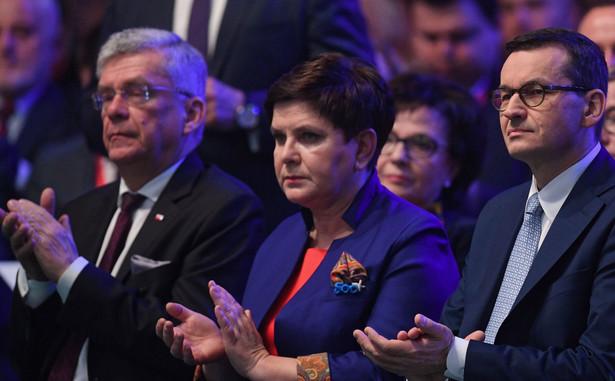 """""""Pragnę zapewnić, że (...) rząd premiera Mateusza Morawieckiego zrealizuje cała piątkę do końca lata"""" - oświadczyła rzeczniczka rządu."""