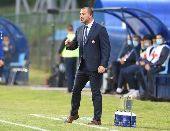 Dejan Stanković je na momente bio ljut na igrače i pored ubedljive igre Crvene zvezde