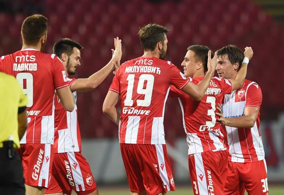 Branko Jovičić i saigrači slave vodeći gol na meču Crvena zvezda - Javor