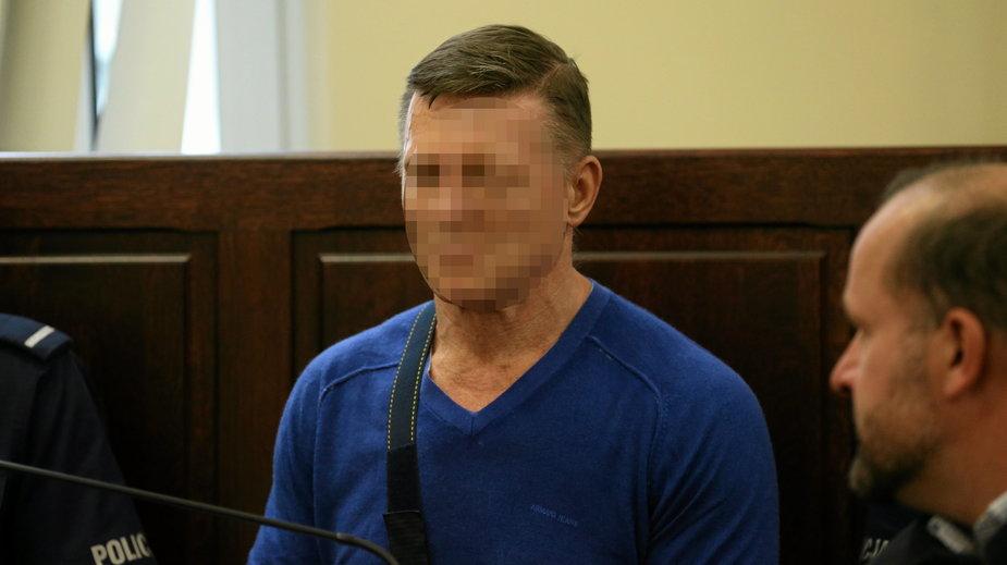"""Marek M. ps. """"Oczko"""" podczas ogłoszenia wyroku przed sadem okręgowym w 2016 r."""