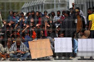 Grecja: Przerwano deportacje do Turcji. Rozpoczął się protest imigrantów