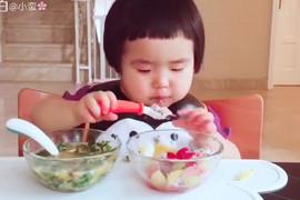 Sećate se devojčice iz Kine koja je jela najbrže na svetu? I danas je MAŠINA ZA HRANU
