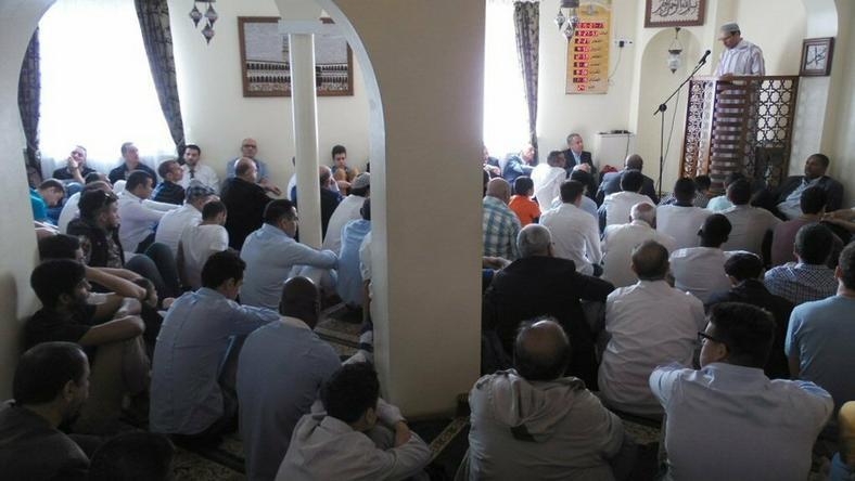 Pobicie Hindusa we Wrześni i groźby śmiertelne imamowi w Poznaniu