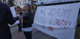 Niespokojnie w Łomży. Mieszkańcy walczą o swój szpital. Interweniuje policja