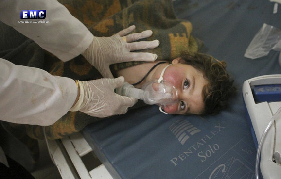 U hemijskom napadu je stradao veliki broj dece