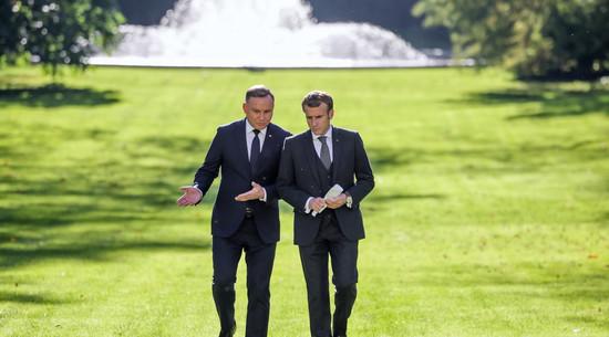 Reset z Francją. Eskalacja w sporze z unijnym trybunałem
