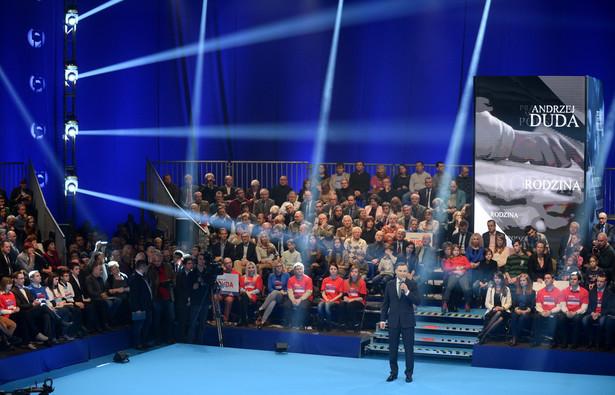 Kandydat PiS na prezydenta Andrzej Duda zaprezentował umowę programową z Polakami