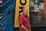 Peca Popović ispred Citylights book knjižare
