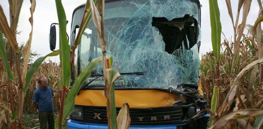 TIR zderzył się z autobusem. Są ranni