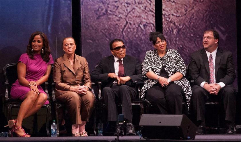 Muhammad Ali z rodziną w 2012 r.