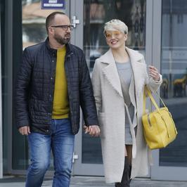 Zakochani Magda Steczkowska z mężem wychodzą z telewizji. Ale ładny widok!