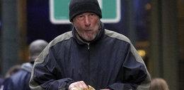 Kobieta pomyliła gwiazdę z bezdomnym