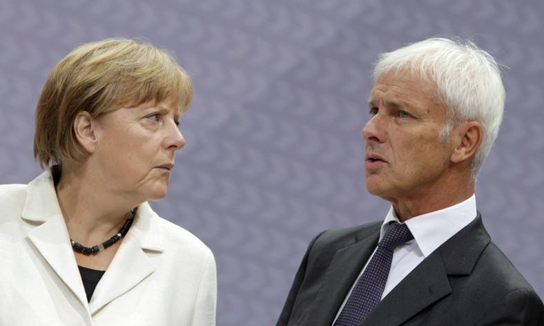 Kanclerz Niemiec Angela Merkel i Matthias Müller, nowy szef koncernu Volkswagen