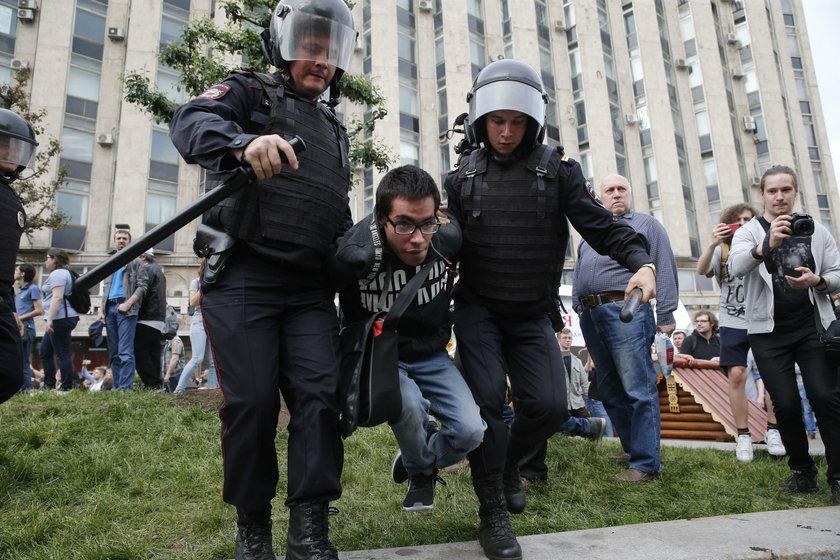 Demonstracje w całej Rosji. Policja wyjątkowo brutalna!