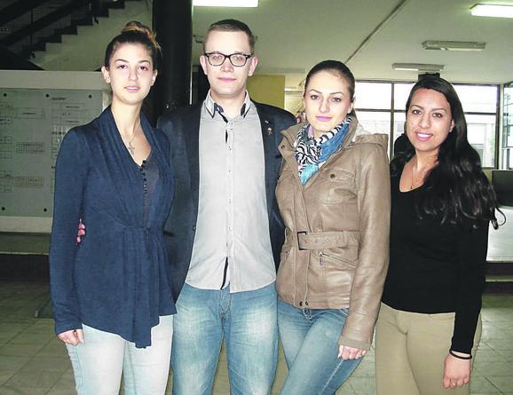 Žele da siromašnima makar malo olakšaju život: Maja Kostić, Jovan Milić, Iva Nikolić i Silvija Sadiković