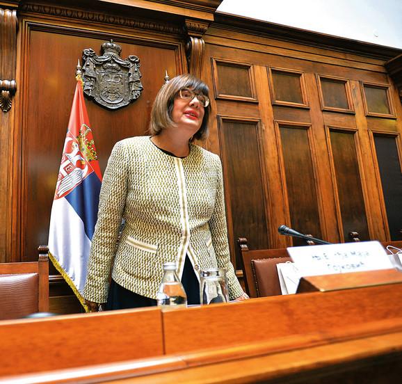 Opozicija tvrdi da je Maja Gojković uzrok problema