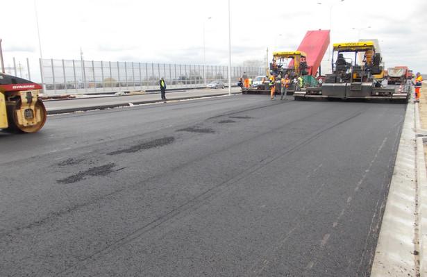 W ocenie urzędników zajmujących się infrastrukturą proponowane przez resort cyfryzacji rozwiązania przełożą się negatywnie na realizację inwestycji drogowych, co grozi niemożnością wydania środków unijnych zapisanych na ten cel