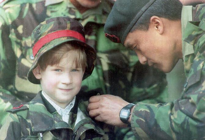 Hari u uniformi