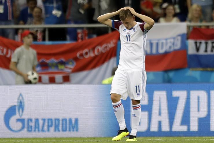 Fudbalska reprezentacija Islanda, Fudbalska reprezentacija Hrvatske