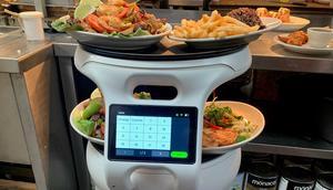 A Servi robot in Sergio's Restaurant.