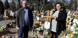 Zapadł się grób mojej mamy