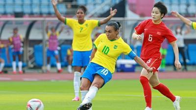 Pele hails 'much more than footballer' Marta after Olympics landmark