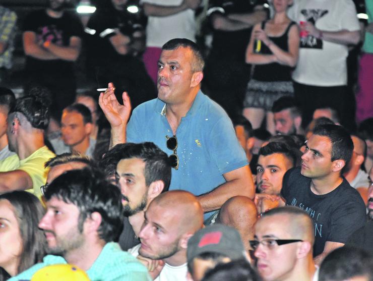 Novi Sad1097 exit gledanje utakmice finala evropskog prvenastva u fudbalu Sergej Trifunovic foto Nenad MIhajlovic