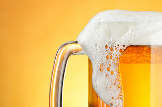 Sprzedaż piwa w czasie pandemii zmalała. Branża ma jednak nadzieję na odbicie latem