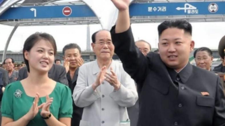 """""""Pierwsza dama"""" Korei Północnej pojawiła się wczoraj oficjalnie u boku męża w nowej roli"""
