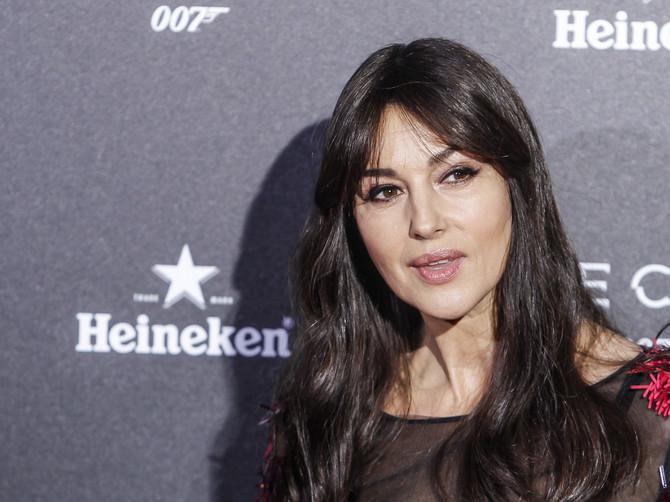 Došla, objasnila i otišla: Monika Beluči se ošišala i sad je MUŠKARCIMA JOŠ TEŽE kad je vide