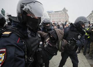 39 policjantów poszkodowanych podczas demonstracji w Moskwie