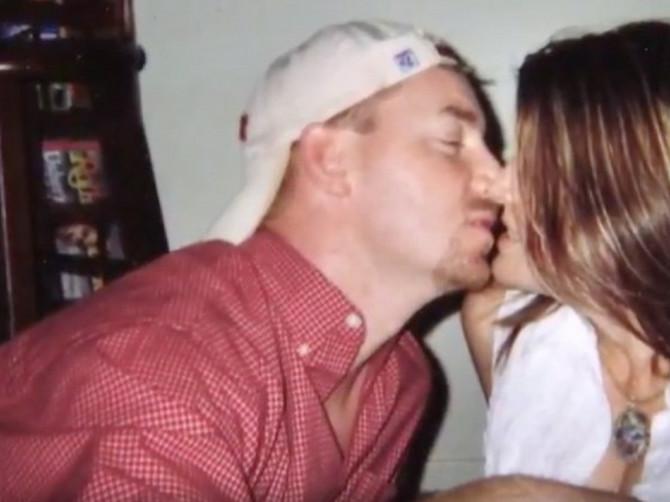 Ostavila ga je jer je NAŠLA BOLJEG dečka za koga se udala: 10 godina kasnije ponovo su se sreli i usledio je SUDBINSKI PREOKRET