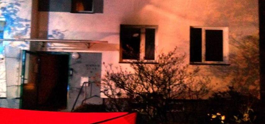 Tragiczny pożar w bloku. Jedna osoba nie żyje. Dwie ranne