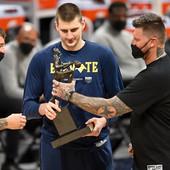 """""""JOKIĆEVA BRAĆA SU KAO MAFIJAŠI"""" NBA zvezda je veliki Džokerov prijatelj, a sada je iznenadio pričom o njegovoj braći: Skoro svaki put žele da se potuku"""