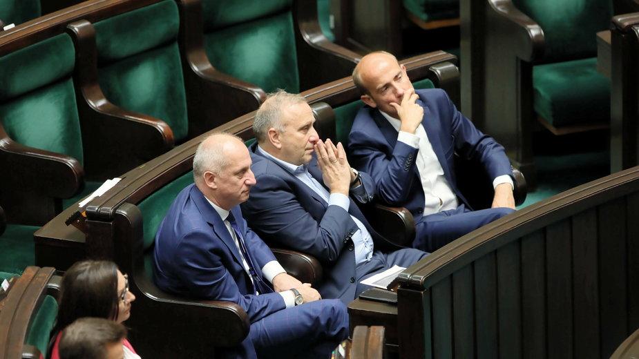 Na zdjęciu: były szef PO Grzegorz Schetyna, były szef klubu PO Sławomir Neumann, którzy podpisali się pod listem oraz Borys Budka, obecny przewodniczący PO