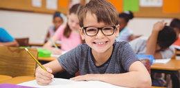 """Nauczyciele zaczną stawiać dzieciom """"pozytywne uwagi"""". O co chodzi?"""