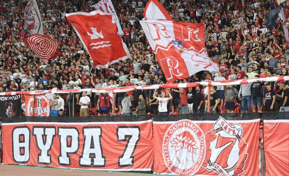 Navijači pred meč FK Crvena zvezda - FK Olimpijakos