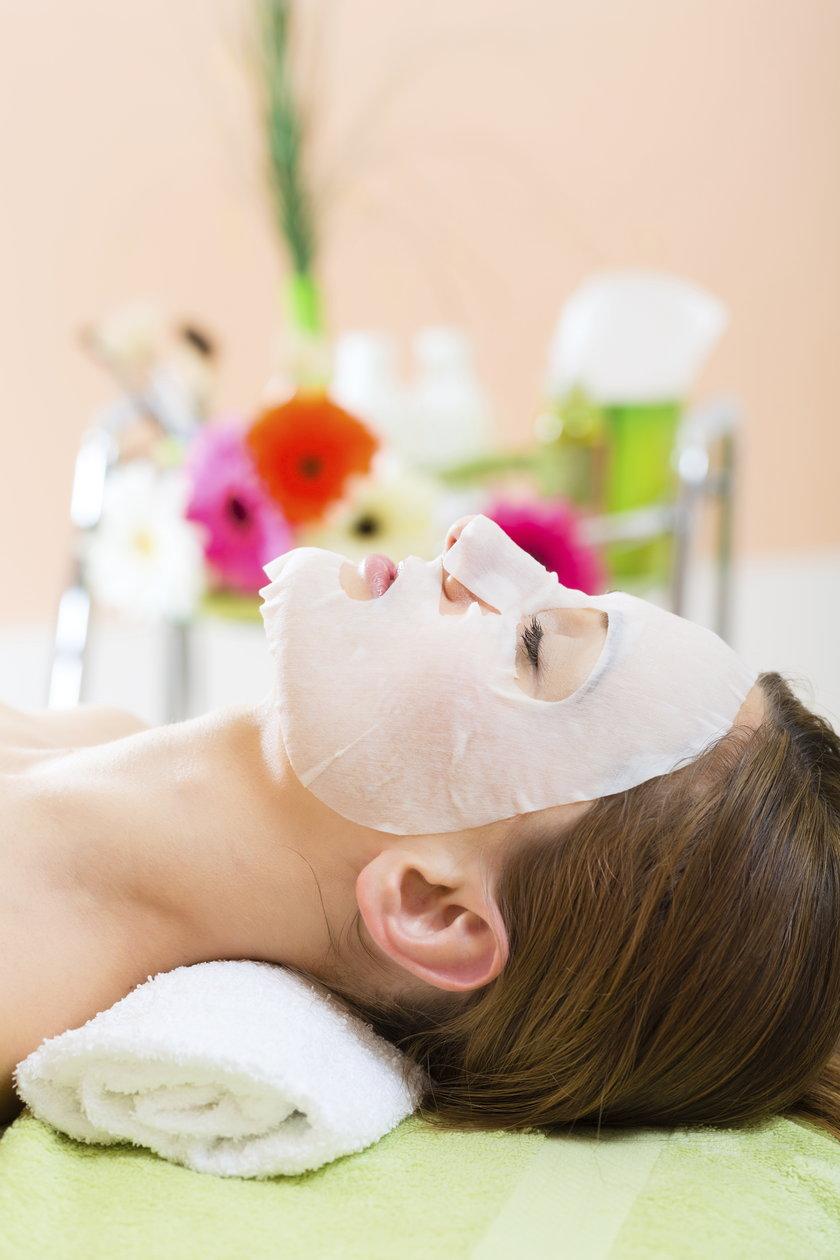 Domowe sposoby na pielęgnację skóry latem to nie tylko relaks ale i oszczędność pieniędzy