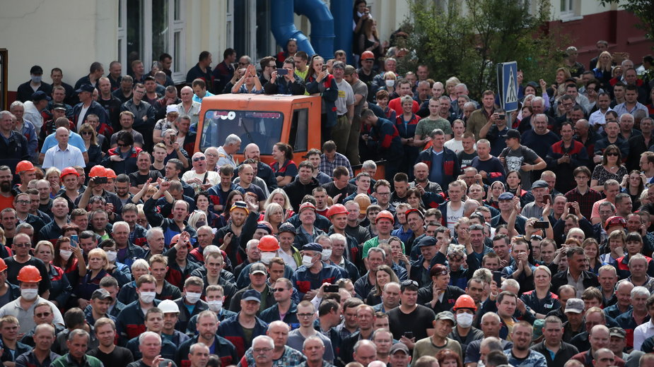 Protestujący pracownicy Automobile Plant w Mińsku, 14.08.2020 r.